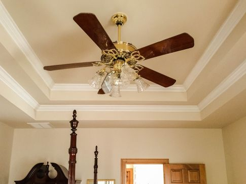 How to choose a ceiling fan for your home top home blog we pay minimal attention to the quintessential ceiling fans inside our home although important the ceiling fans are paid least attention and considered at mozeypictures Gallery